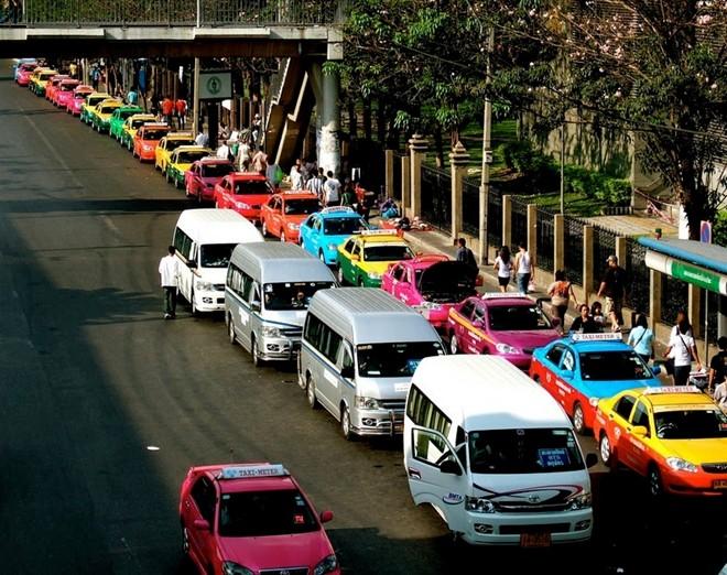 Một Bangkok vui nhộn với những chiếc taxi sặc sỡ 3