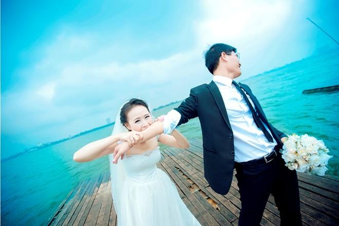 Bộ ảnh cưới vui nhộn: Cô dâu siêu quậy - chú rể nhút nhát 5
