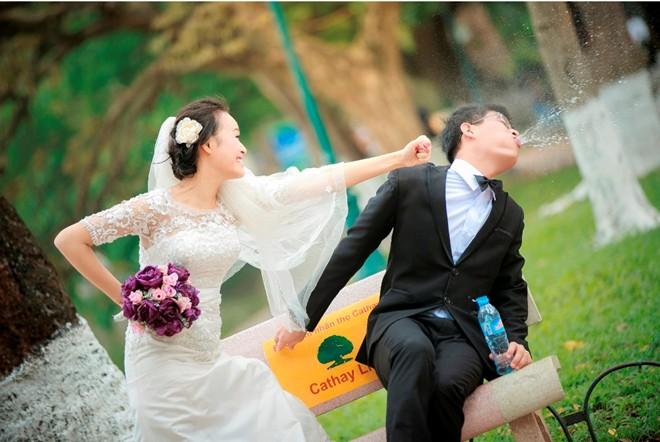 Bộ ảnh cưới vui nhộn: Cô dâu siêu quậy - chú rể nhút nhát 3