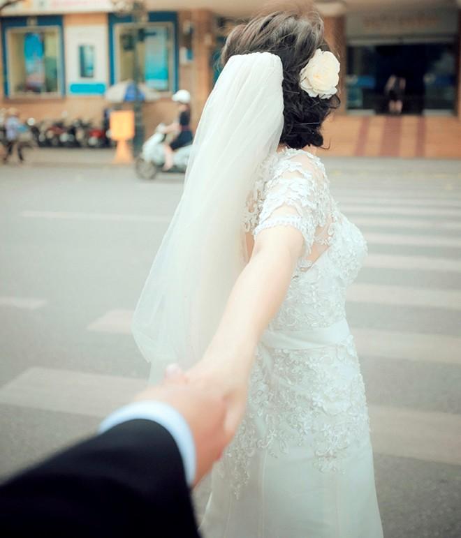 Bộ ảnh cưới vui nhộn: Cô dâu siêu quậy - chú rể nhút nhát 4