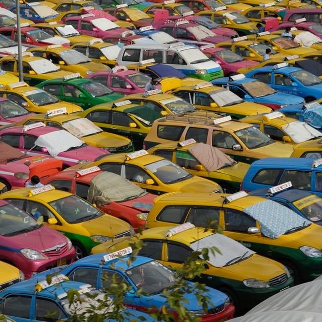 Một Bangkok vui nhộn với những chiếc taxi sặc sỡ 2