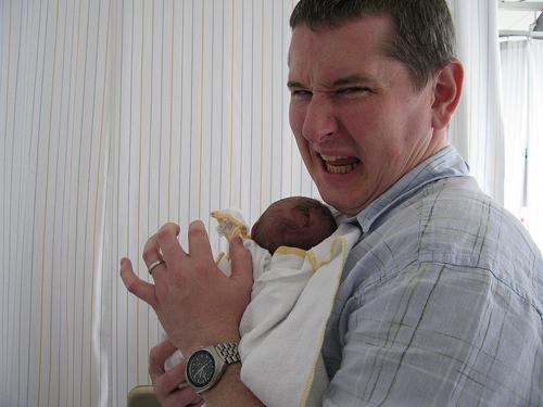 Những hình ảnh vui nhộn khi trẻ em nôn trớ 23