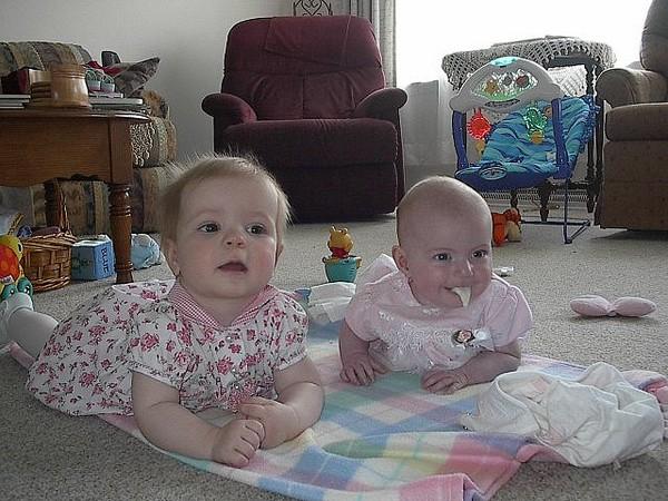 Những hình ảnh vui nhộn khi trẻ em nôn trớ 22