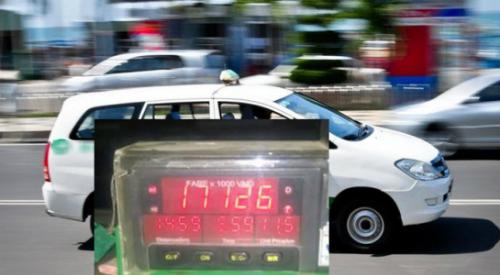 """Khách Úc bức xúc khi bị taxi Việt """"chém"""" hơn 4,5 triệu cho quãng đường chỉ 10km"""