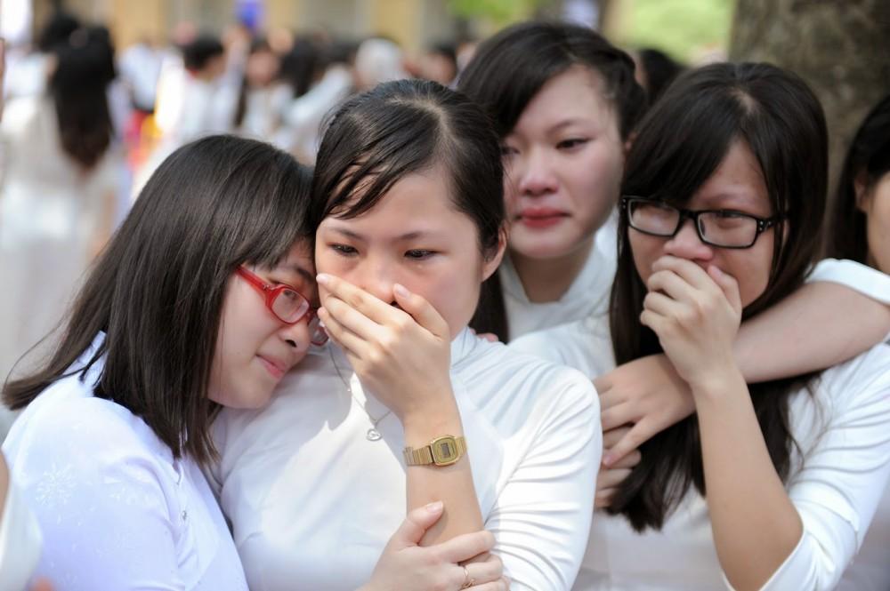 Nghẹn Lòng Với Bài Tri Ân Thầy Cô Cuối Cấp Của Nữ Sinh Lúc Chia Tay Mái Trường