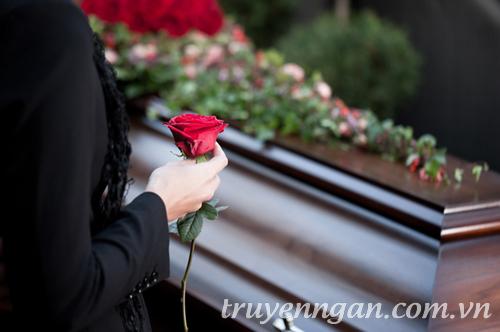 Hai đám tang cho một cuộc tình